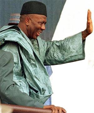 Former President Ahmad Tejan Kabbah waves goodbye to all worldy matters. RIP.